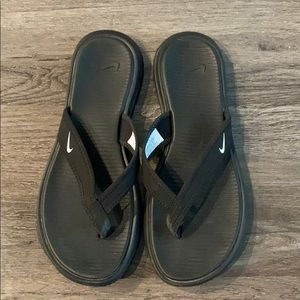 Black Nike Sandals